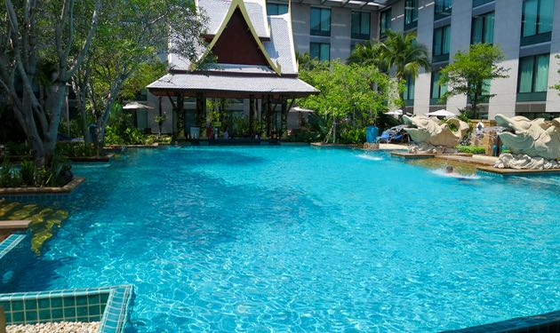 Hotel for family of 4 near Bangkok International Airport.