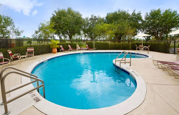 Hotel with pool near Orlando airport.