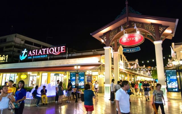 Asiatique night market on the river in Bangkok.