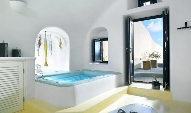 Best Santorini Villa: Blue Canaves Luxury Villas in Oia.