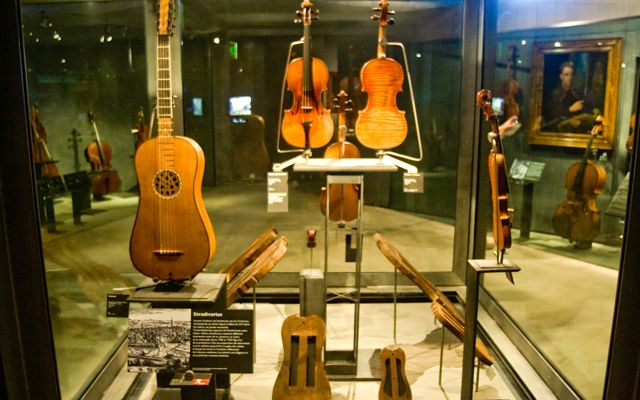 Paris for Kids: music museum