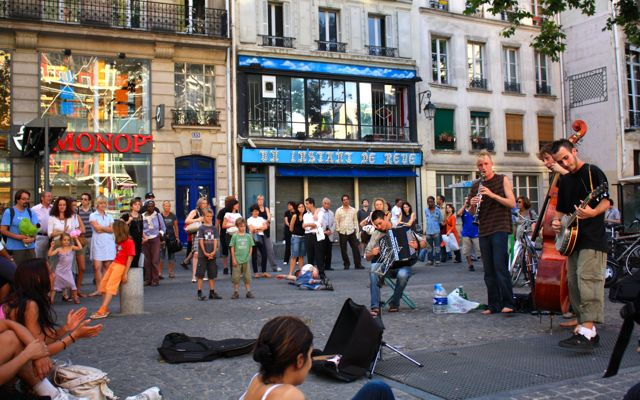 Paris for Kids: street performers