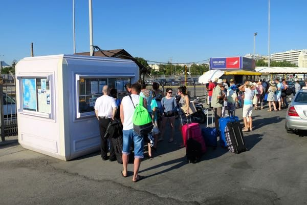 How and where to pickup ferry tickets in Heraklion.