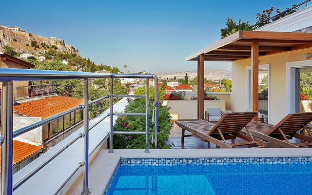 The best hotel in Plaka: Electra Palace Hotel