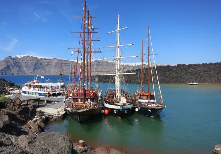 Santorini Tours: The boat tour of the caldera and volcano is the best tour in Santorini.