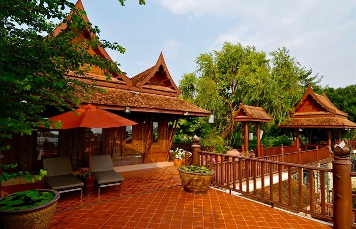 Bangkok's luxury riverside Chakrabongse Villas