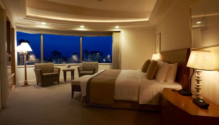 Best luxury hotel with good location.