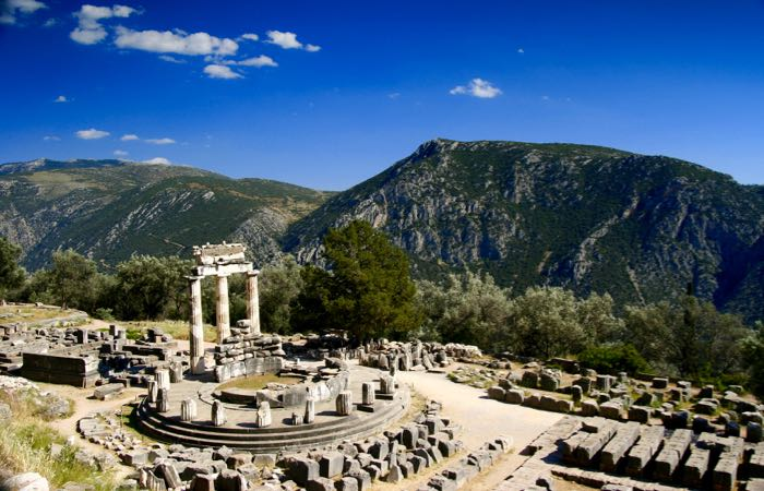 Best historical sights in Mainland Greece