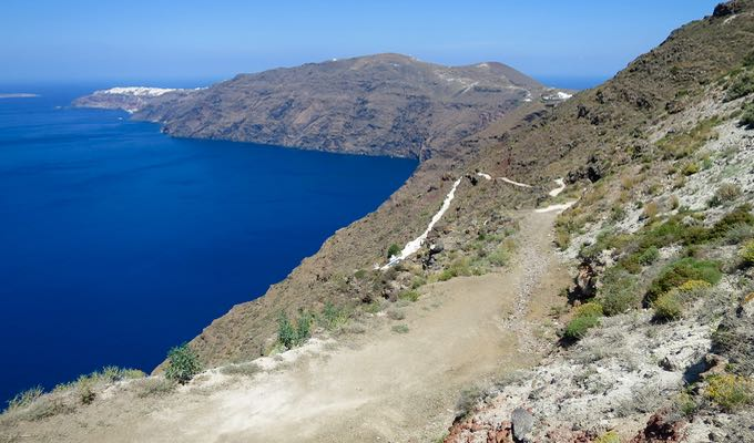 The hike from Fira to Oia.