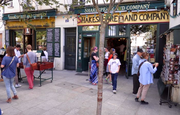 What is the best bookstore in Paris?