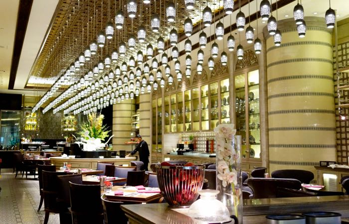 The elegant Mandarin Oriental Hotel in Kuala Lumpur is the closest hotel to the Twin Towers.