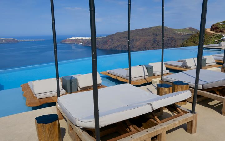 Cavo Tagoo luxury hotel with views of Oia.
