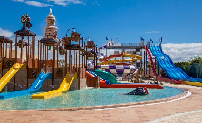 Best Hotel Pools In Vegas For Families
