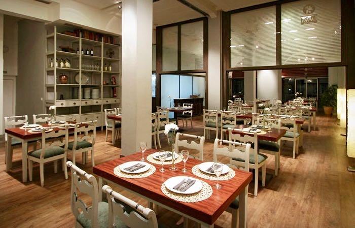 Hosteria del Prado is the best family-friendly restaurant in Seville.