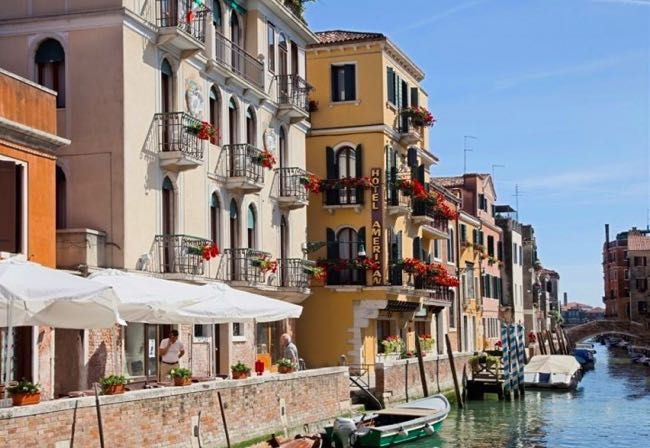 Inexpensive Hotel on Venice Canal