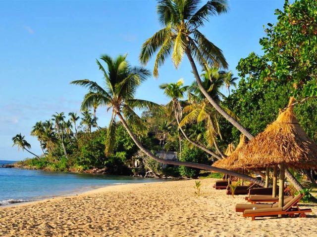 Good luxury beach resorts in Fiji for families.