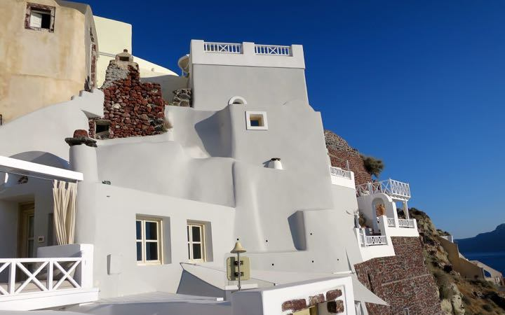 Oia Castle Hotel is the best hotel for honeymoon in Oia, Santorini.