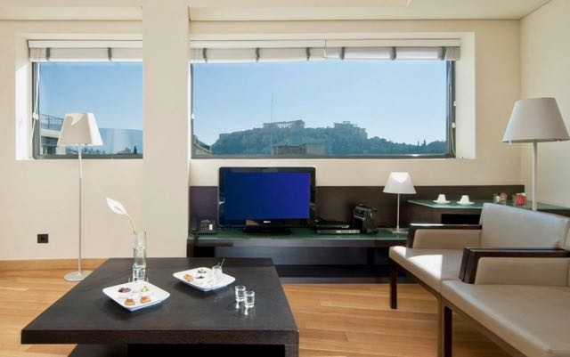 4 star hotel in Athens with view of Acropolis.
