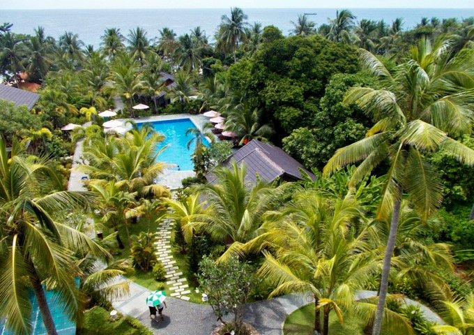 Mid-range resort in central Phu Quoc.