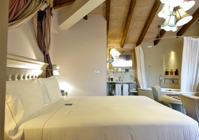 Florence spa hotel with private hot tub