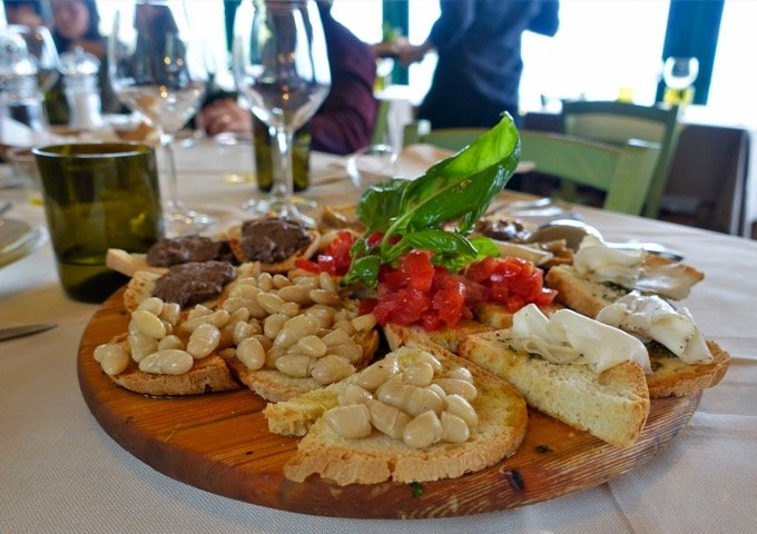 Tuscan wine and gourmet food tour Florence