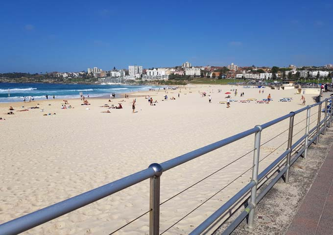 Long Walking Path parallel to Bondi Beach