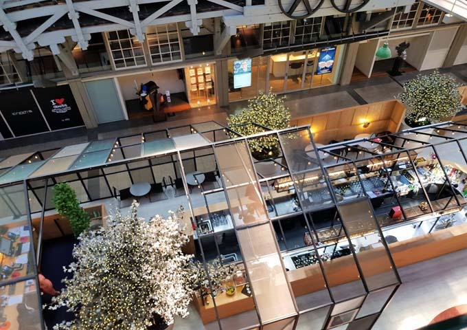 Ovolo Woolloomooloo Hotel Lobby
