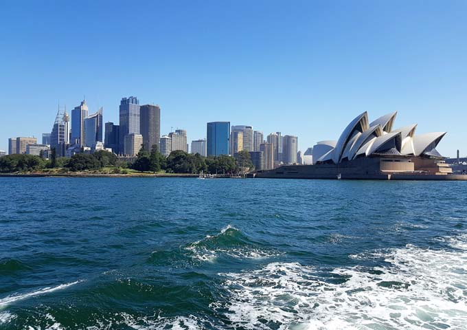 Spectacular ferry trip to Manly