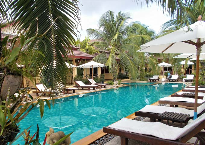 Self-catering and comfortable bungalows at budget resort