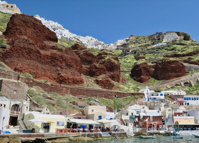 Oia boat tours of caldera and volcano.