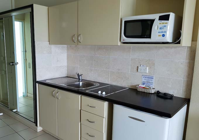 Studios come with kitchenettes and apartments with kitchens.