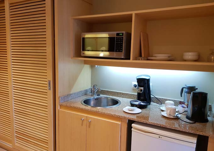 All accommodations have a kitchenetter.
