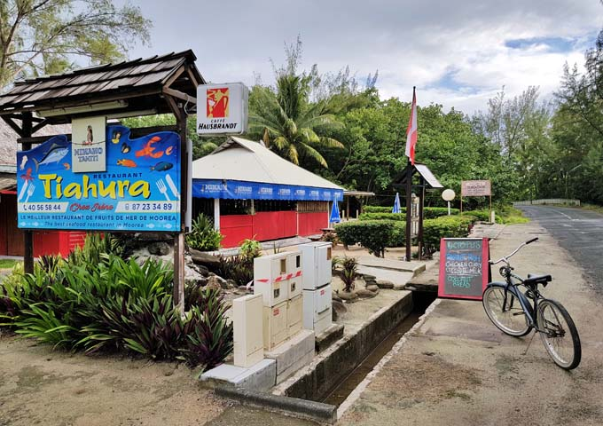 Restaurant Tiahura specializes in excellent seafood.