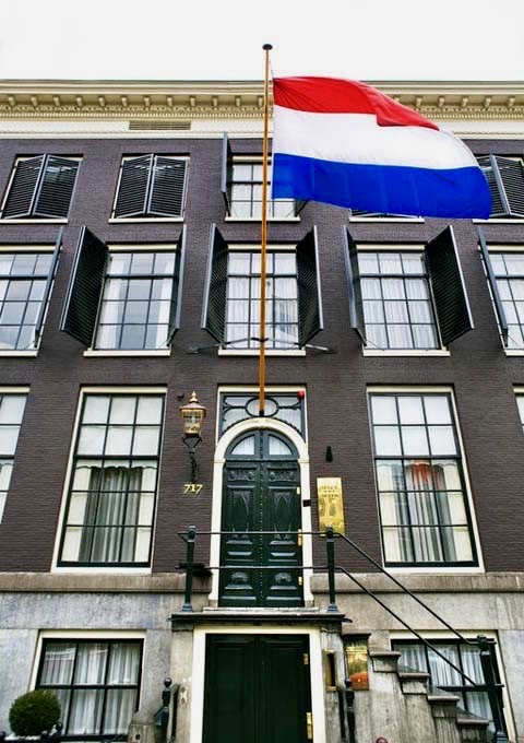 Review of Hotel Seven One Seven in Amsterdam.