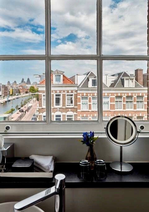 Sir Residence offers views of the Boereinwetering canal.