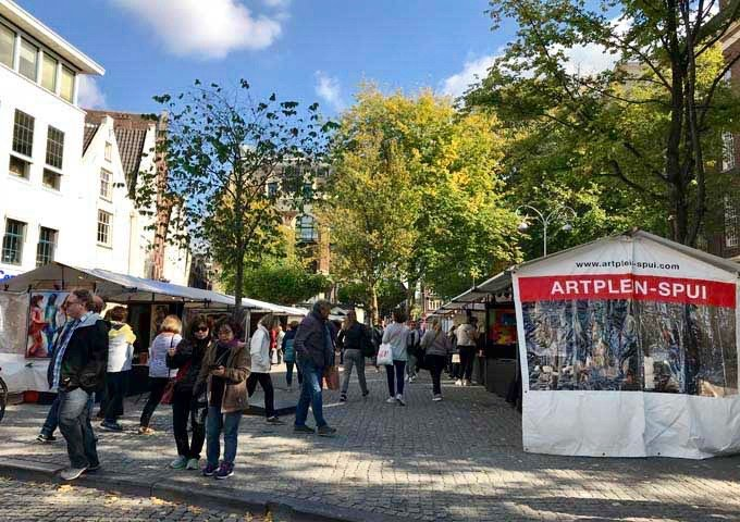 Art Plein Spui is held every Sunday in Spui square.