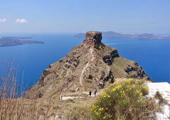The hotel offers amazing views of Skaros Rock and the caldera.