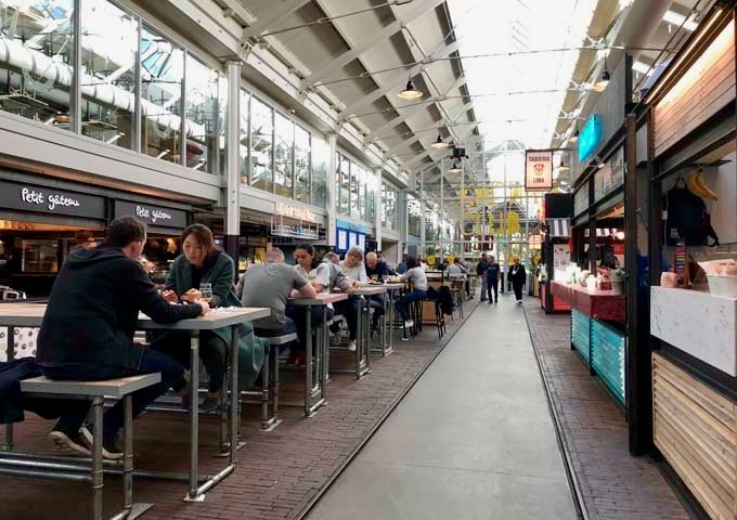 Food Hallen is the Netherlands' first indoor gourmet food market.