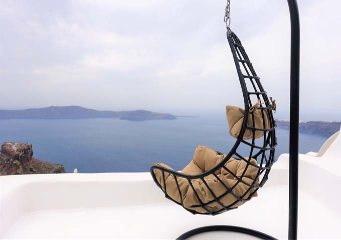 The terrace offers a swing to enjoy the view.