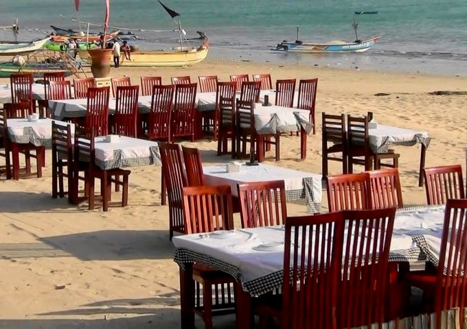 Within walking distance, patrons can enjoy sunset seafood dinners on the beach.