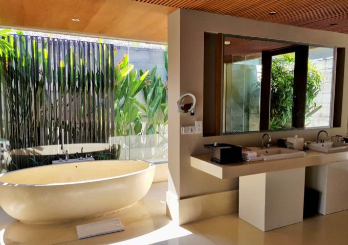 The villas feature excellent open-air bathrooms.