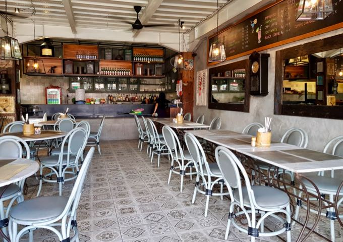 Sidewalk Café is an inviting cafe by the beach.