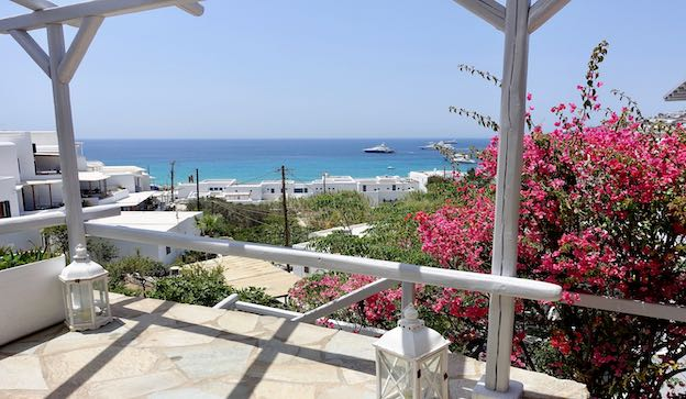 Bay Bees Sea View Suites in Mykonos