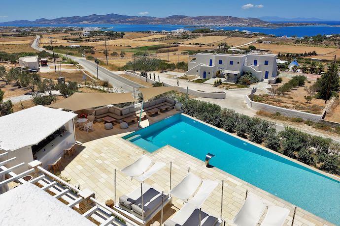Anna Platanou Suites in Paros
