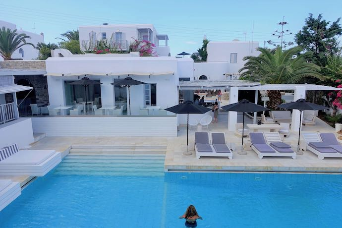 Mr and Mrs White Hotel in Paros