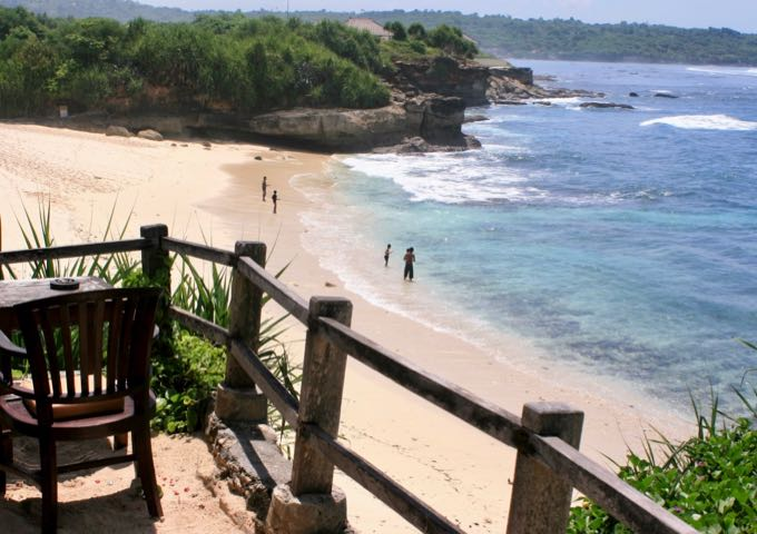 The beachside setting offers views of the rest of Nusa Lembongan.