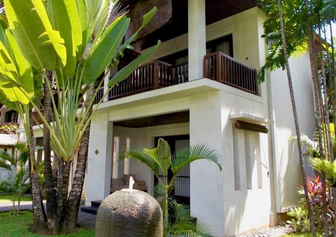 The secluded suites are surrounded by lush greenery.