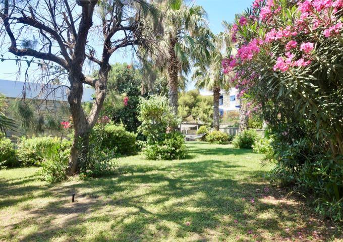 The gardens feature a few hammocks as well.