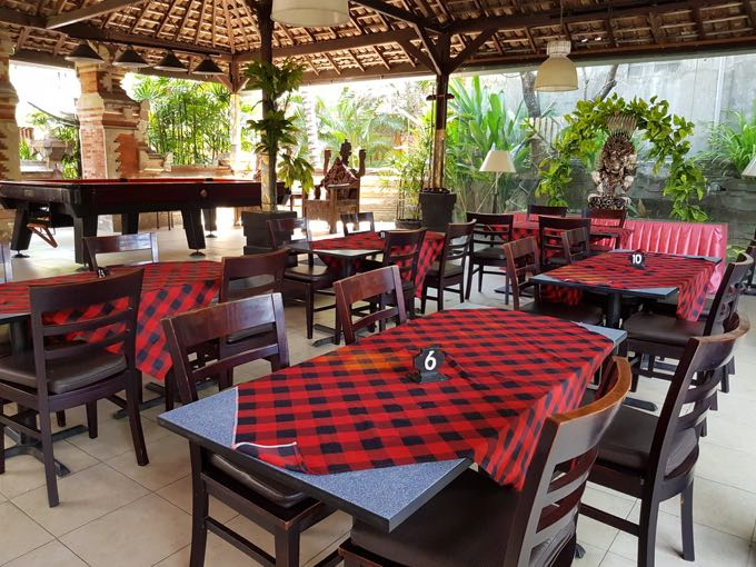 Becik is a pleasant cafe a little further from Puri Cendana.