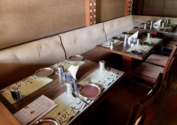 Parika restaurant close by is old-fashioned and focuses on service.